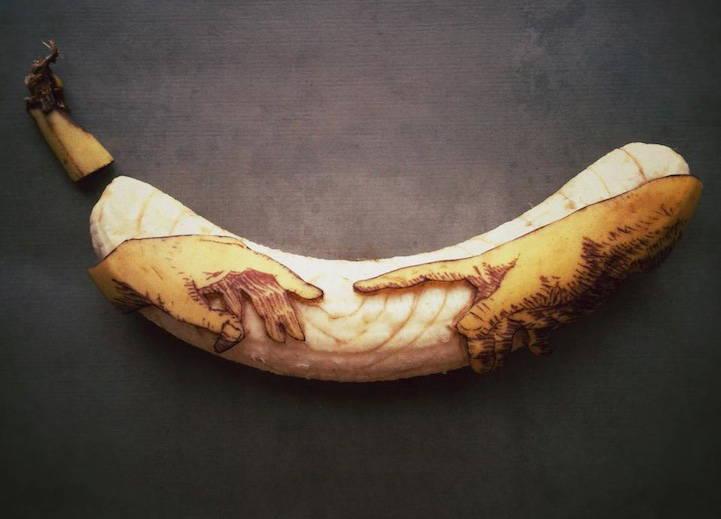Ексцентричните скулптури, изваяни от банани