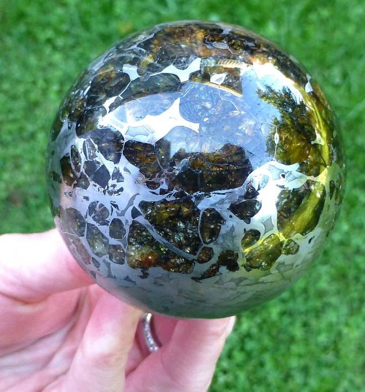 Полиран метеорит