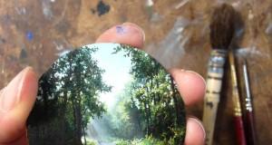 миниатюрни картини на Дина Бродски събира двете и страсти – колоездене и рисуване