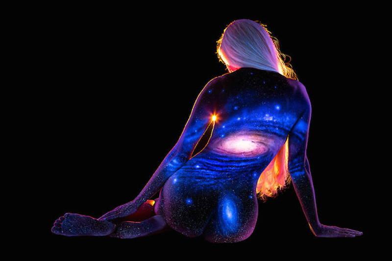 красиви пейзжи върху човешкото тяло